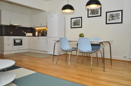 A kitchen or kitchenette at One bedroom apartment in Oslo, Industrigata 40 (ID 6827)