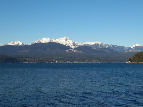 Union City Beach House at Hood Canal, Waterfront Vacation Rental