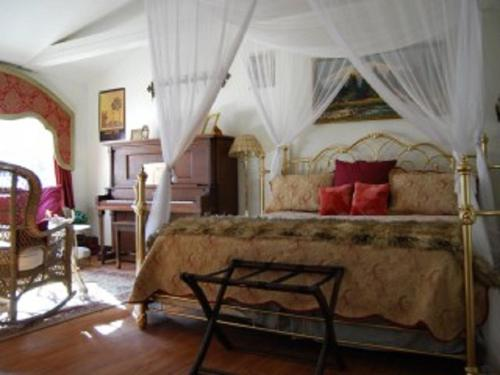 Shangri-La Inn at Gaia's Farm and Gardens