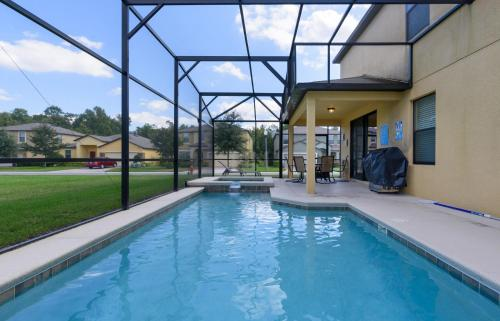 X-Large Pool With Game Room 11Cp14