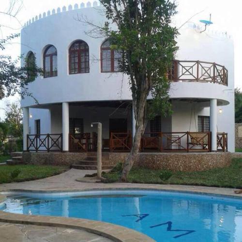Villa PM and Mapenzi