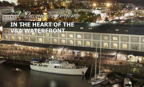 Jackie O - Classic Luxury Yacht & Boutique Hotel