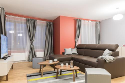 A seating area at Apartments Kremer III Cracow