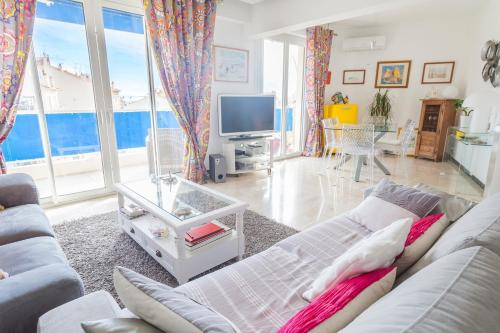 Superb 2 BR with a big terrace - Cannes center