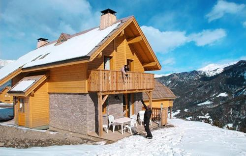 Chalets de Praroustan during the winter