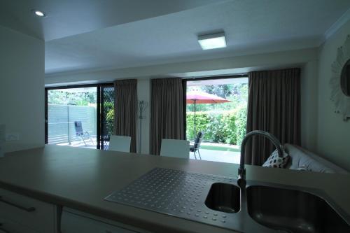 La Mer Holiday Apartments