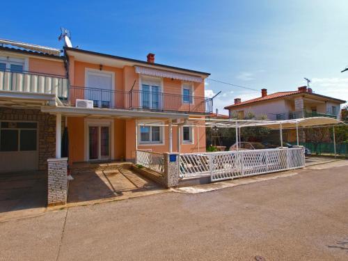 Apartment Dragomir 1052
