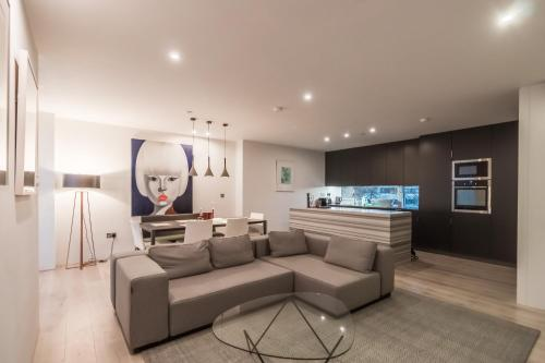 Modern Contemporary Townhouse