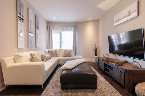 3-bedroom Family Condo Mile-End