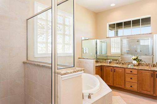 Salle de bains dans l'établissement 7596 Reunion Resort 4 Bedroom Villa