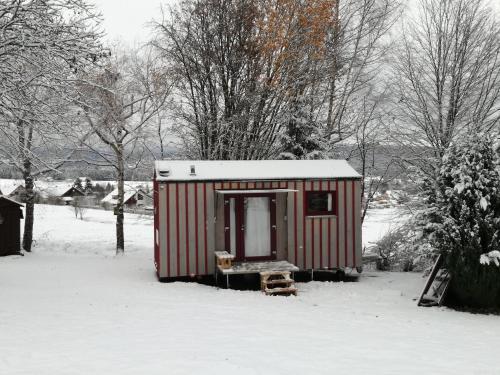 tiny house village deutschland mehlmeisel. Black Bedroom Furniture Sets. Home Design Ideas