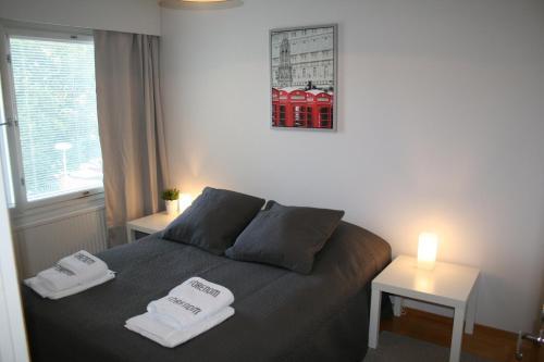 Un ou plusieurs lits dans un hébergement de l'établissement One bedroom apartment in Pori, Antinkatu 31 (ID 11025)