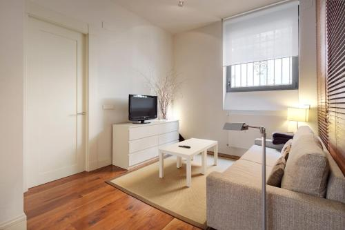 Una televisión o centro de entretenimiento en Mahats - Basque Stay