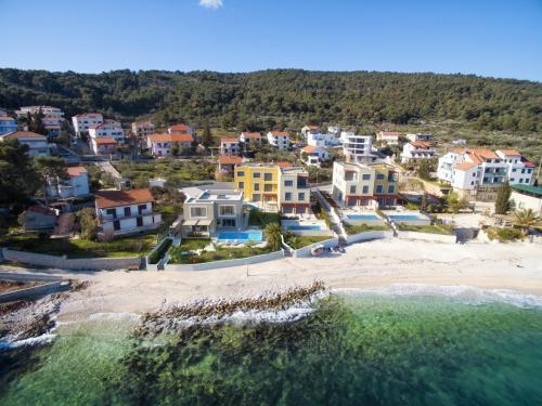 Beach Villas Slatine