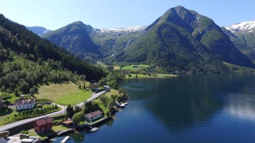 ferienhaus norwegen traumhaus direkt am fjord norwegen. Black Bedroom Furniture Sets. Home Design Ideas