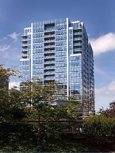 Twentieth Street Apartments