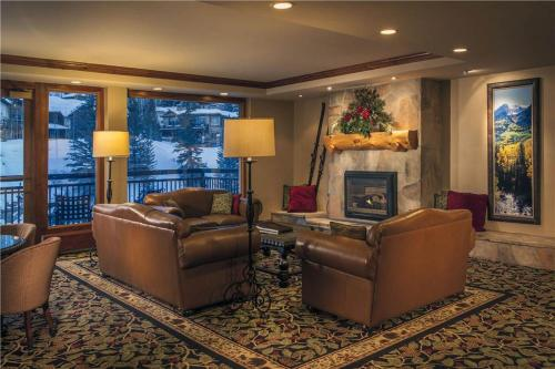Perfectly Priced Vail 1 Bedroom yes - Lion Sq SOUTH 477