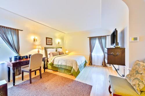 LF-2856 - Glendower Estate Five-Bedroom Apartment