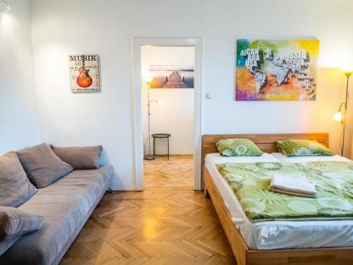 A bed or beds in a room at Vagohid30 Apartment