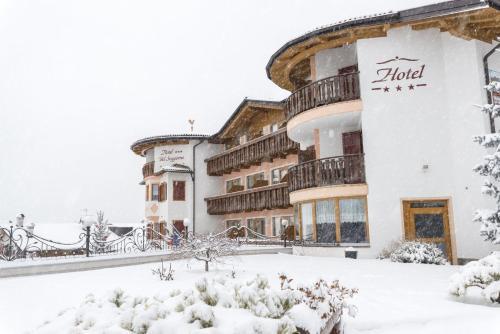 Blumen Hotel Bel Soggiorno, Malosco – Updated 2018 Prices