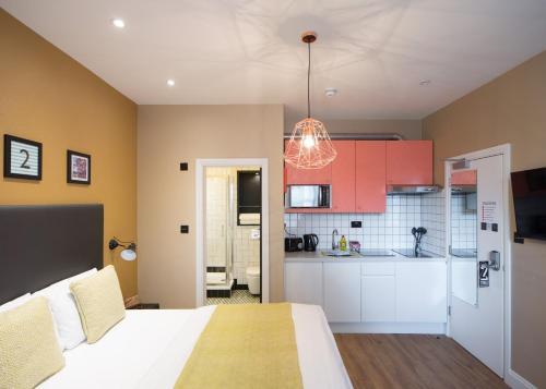 Room 2 Hammersmith