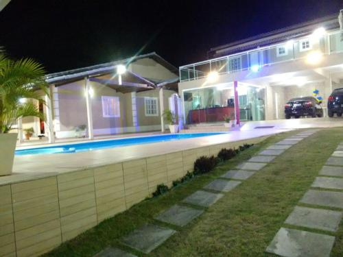 Excelente casa em condominio