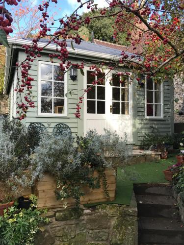 Crabapple Cottage B&B
