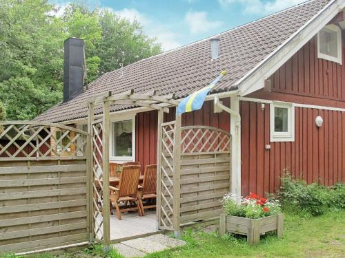 Foto hotell Four-Bedroom Holiday home in Munkedal 1