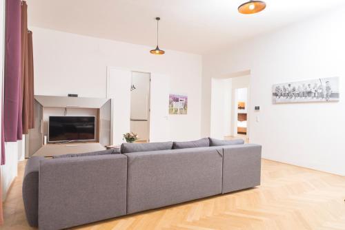 Bett Im Schlafzimmer Design Modern Italienisch Lecomfort , Seilergasse De Luxe Apartment –sterreich Wien Booking