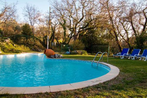Swimming pool sa o malapit sa Casa do Vale do Papo