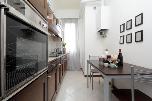 gallery image of this property - Central Kitchen Lorenzo