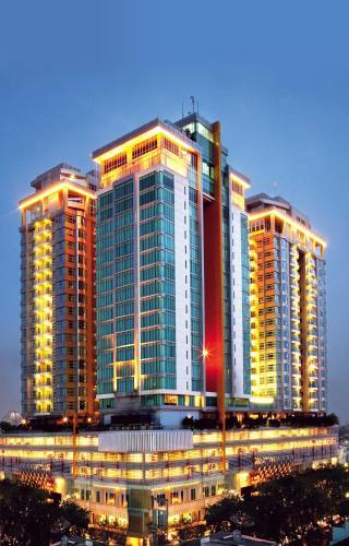 cambridge hotel medan indonesia booking com rh booking com swiss bellin manyar swiss bell in medan restaurant
