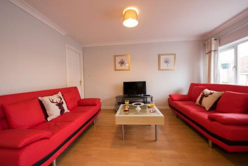 A seating area at HLS - Drumfearn Apartment