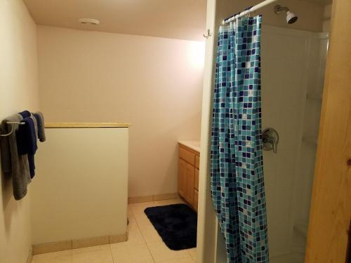 Crescent lake room rental