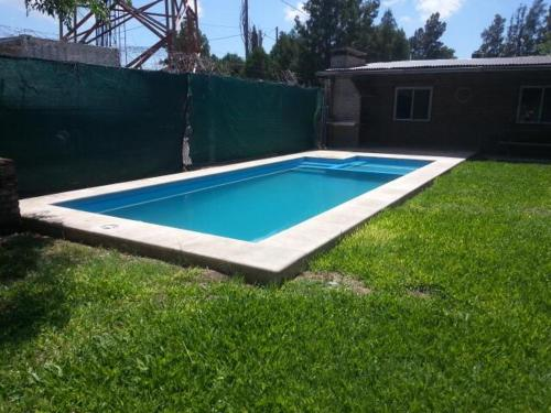 The swimming pool at or near Casa en Fisherton