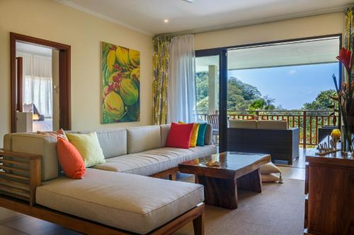 Eden hills residence anse boileau seychelles for Eden hill walk in
