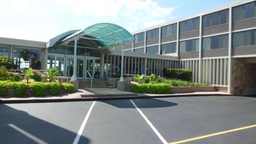 Illinois Beach Resort & Conf. Center; Best Western Premier Collection