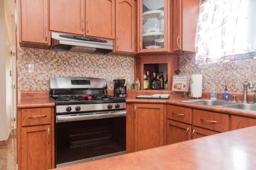 A kitchen or kitchenette at Big vacational house in Isabela / Aguadilla