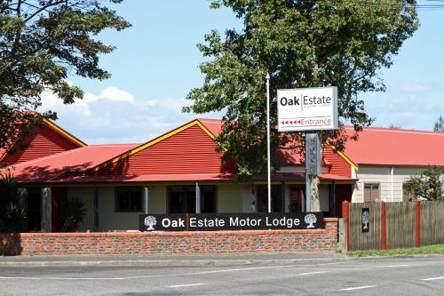 Oak Estate Motor Lodge