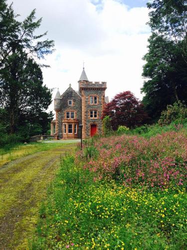 Machermore Castle West Lodge