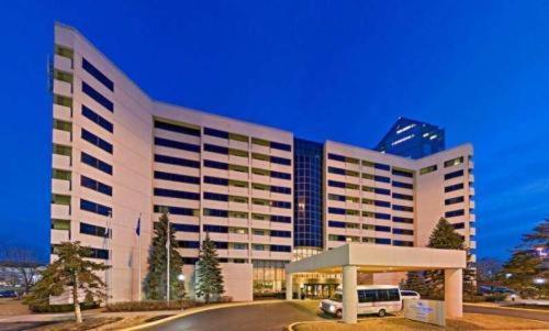 Hilton Suites Chicago/Oakbrook Terrace