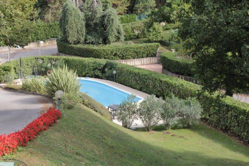 A view of the pool at Casa Mafalda or nearby