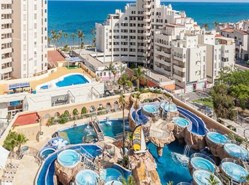 A view of the pool at Apartamento Caribe Playa or nearby