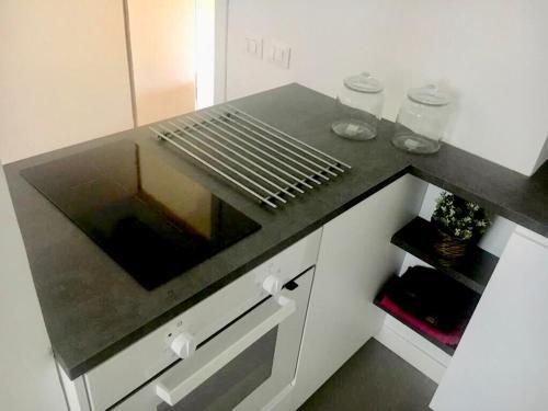 Cucina o angolo cottura di New spacious flat Fuorigrotta near to METRO