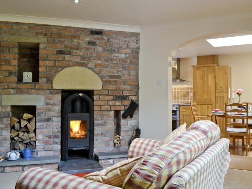 A seating area at Old Stone Cottage