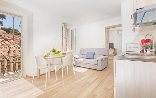 Apartments Aquarius