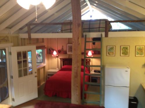 Carson's Kaloko Mountain Cabin