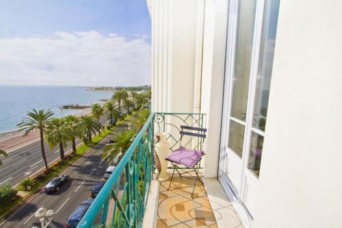 A balcony or terrace at PALAIS DE LA MER PROMENADE - PROMENADE HOLIDAY
