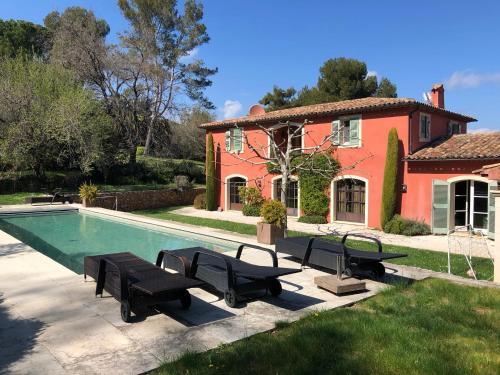 Villa Saga (França Valbonne) - Booking.com