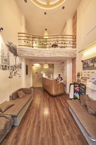 The lobby or reception area at Alleyway Hostel